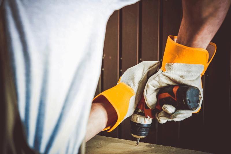 אמן מקצוע לביצוע תיקונים קטנים לבית